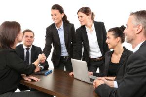 Meeting Gruppe Anzug