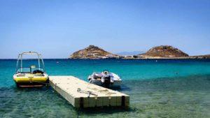 Mykonos Meer und Boot 300x169 - Mykonos Meer und Boot